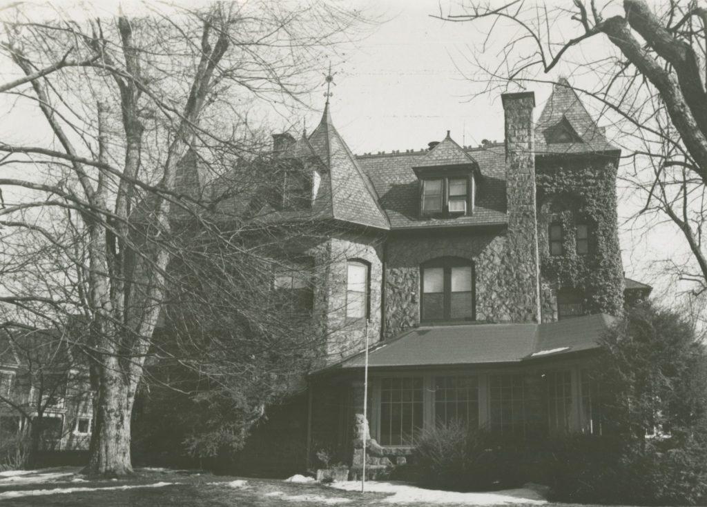 Fretz House