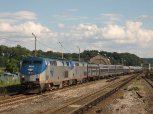 The Lake Shore Limited at Croton-Harmon. Photo taken by Adam E. Moreira, [CC BY-SA 3.0 (http://creativecommons.org/licenses/by-sa/3.0)], via Wikimedia Commons