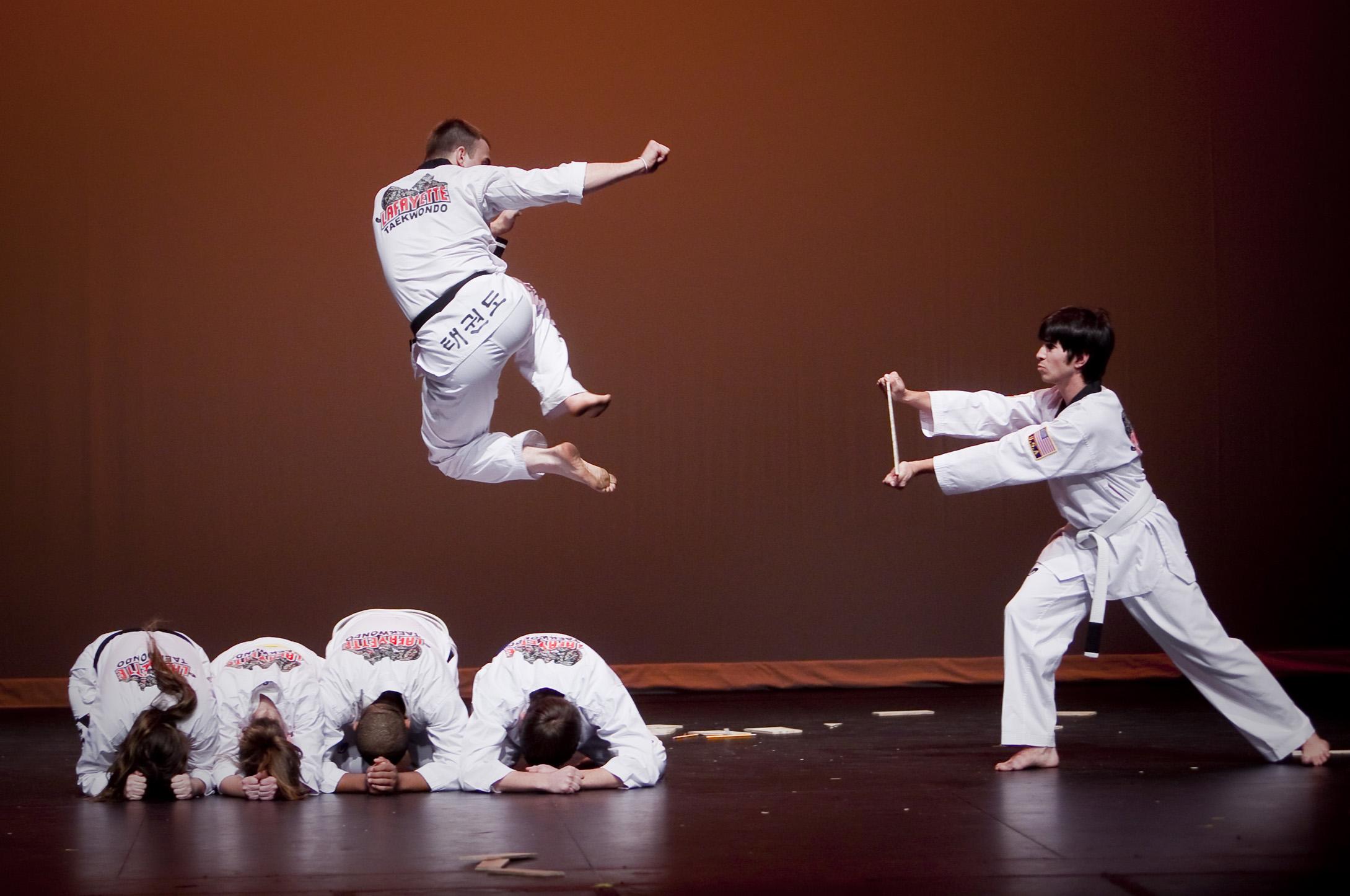 aerobic exercises tae kwon do and tae boxing The name tae bo is a portmanteau of tae kwon do and boxing 5 tae bo also includes aerobic exercises intended to strengthen all muscles of the body with basic.